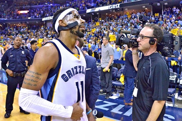 Not sure why I was surprised his face is still bothering him, given how bad it looked in that GSW series. - LARRY KUZNIEWSKI