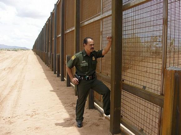 mexico-wall-pedestrian-image1.jpg