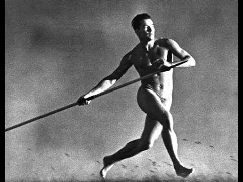 Riefenstahl's images of nude athletes were inspired by classical Greek statues.