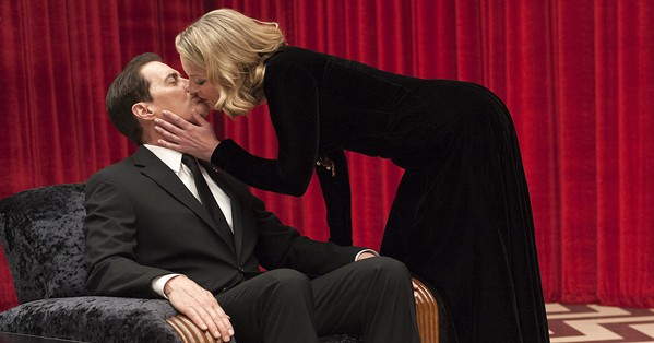 Agent Cooper and Laura Palmer (Sheryl Lee) in the Black Lodge.