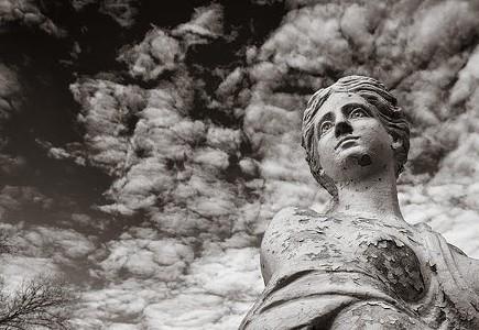 The Marvelous Women of Elmwood Cemetery