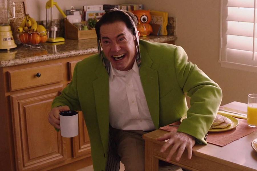 twin-peaks-the-return_kyle-maclachlan-dougie-in-green.jpg
