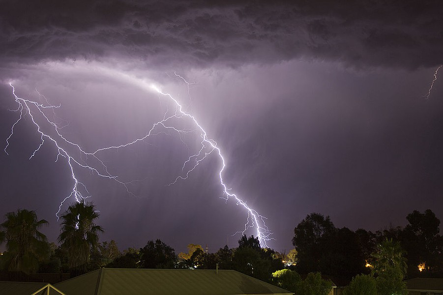 1024px-cloud_to_ground_lightning_strikes_south-west_of_wagga_wagga.jpg