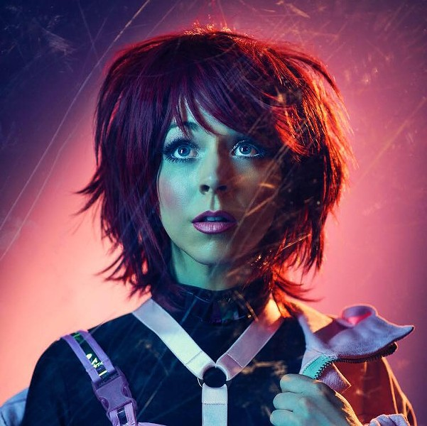 Lindsey Stirling plays a benefit for St. Jude