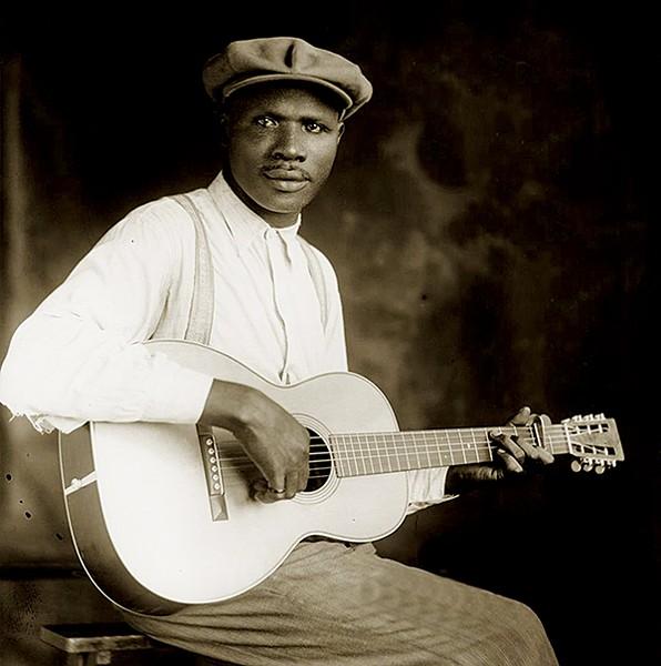 Frank Stokes, guitar god