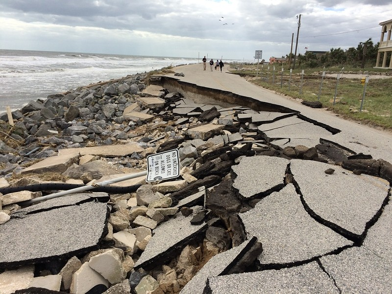 A1A collapses onto a beach in St. John's County in Florida in the aftermath of hurricane Matthew. - FEMA