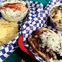 Hot Diggity Dog: Doghouzz Opens in Crosstown