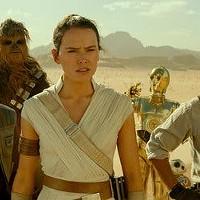 John Boyega, Joonas Suotamo, Daisy Ridley, Anthony Daniels, and Oscar Isaac in Star Wars: The Rise of Skywalker.
