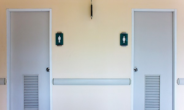 Better things to poo? - TLOVELY | DREAMSTIME.COM