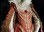 """Isabelle de Borchgrave: Fashioning Art from Paper"""