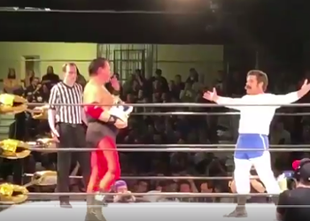 Jerry Lawler Throws Fire at Crotch of Wrestler Dressed as Andy Kaufman