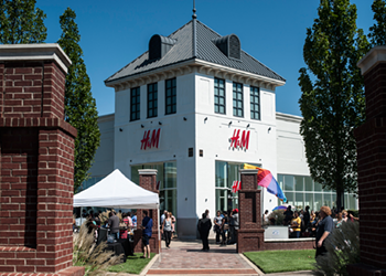 A Look Inside the New H&M at Carriage Crossing