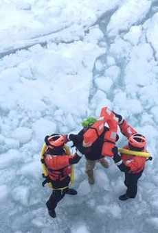 Man tries to walk across frozen Lake St. Clair from Detroit to Toronto