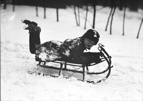 SLEDDING IN DETROIT, 1920S. (PHOTO VIA VIRTUAL MOTOR CITY)