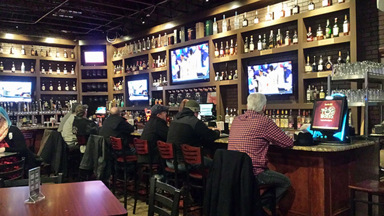 Raise the bar the pour house comes to madison heights for Food bar in cahaba heights