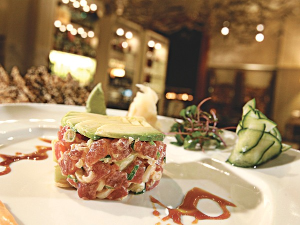 Spicy sashimi-grade tuna tartare with cucumber, scallions, avocado and sesame chips from Wolfgang Puck Grille at the MGM Grand Casino in Detroit. - MT PHOTO: ROB WIDDIS