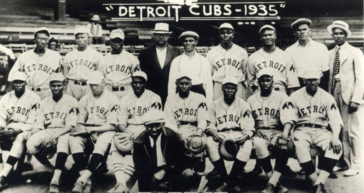 The 1935 semi-pro Detroit Cubs at Hamtramck Stadium.
