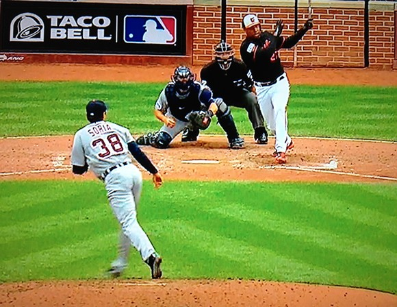 Former Tiger Delmon Young gives the Orioles the lead with a pinch-hit, bases-loaded double. - TBS