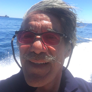 Geraldo Rivera's clownin'-ass is selfie-ing his way around Michigan