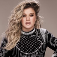 Kelly Clarkson might cover 'Shallow' at Little Caesars Arena and we're deep in it
