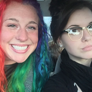 Detroit sisters who are 'polar opposites' go viral on Twitter