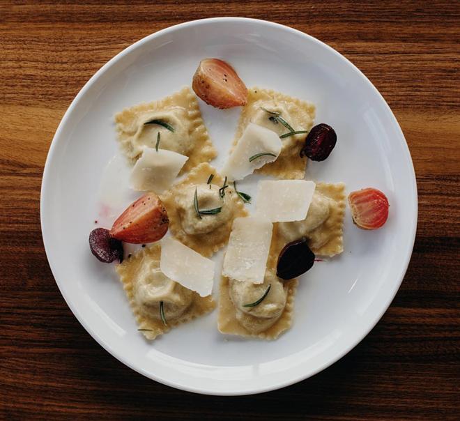 Francobolli di salsiccia from SheWolf. - SHEWOLF/INSTAGRAM