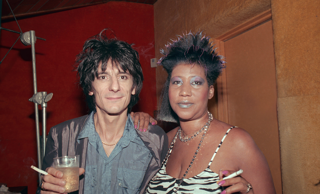 Ron Wood of the Rolling Stones with Aretha Frankin. - LINDA SOLOMON