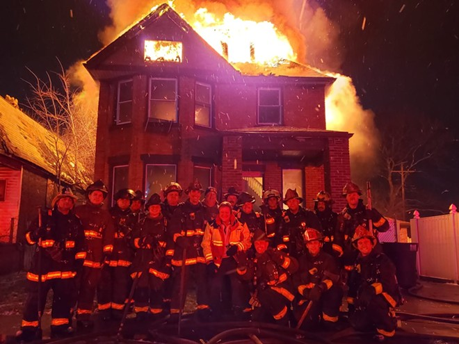 Detroit firefighters disciplined for posing in front of burning house