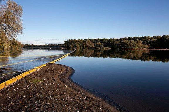 Enbridge cleanup on the Kalamazoo River, Morrow Lake Reservoir, September 2013. - JOHN GANIS
