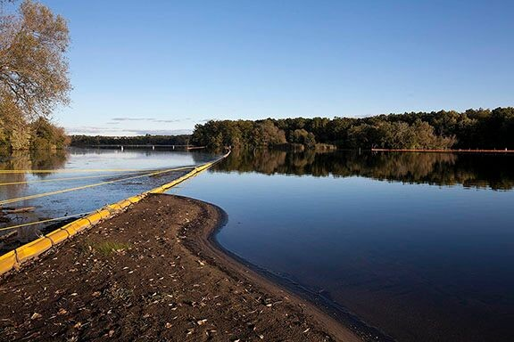 Enbridge cleanup on the Kalamazoo River, Morrow Lake Reservoir, September 2013. - JOHN GANIS