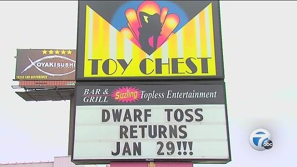 detroit_topless_bar_s_dwarf_toss_event_0_30962942_ver1.0_640_480.jpg