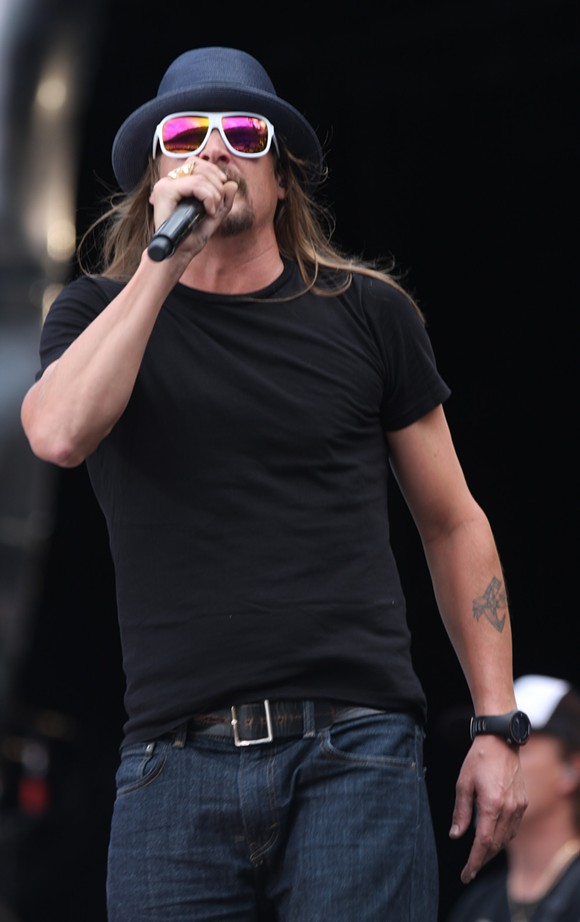 Kid Rock performing in Melbourne Dec 2013. Photo by Eva Rinaldi, from Wikipedia.