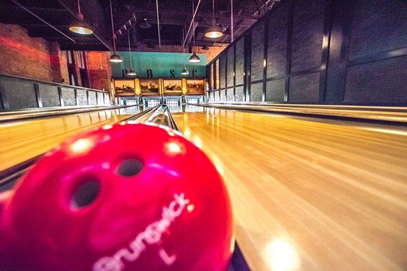10 bars to get your game on in southeast Michigan | Table