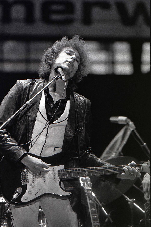 BOB DYLAN IN 1978. IMAGE FROM WIKIPEDIA.