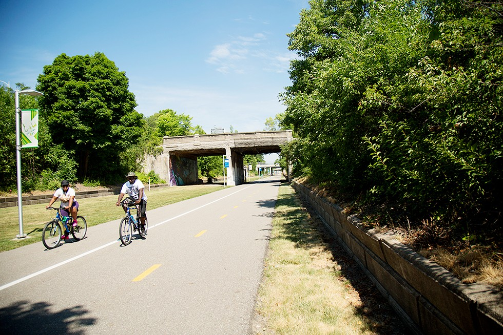 The DeQuindre Cut makes for some prime bike riding. - HANNAH ERVIN, DETROIT STOCK CITY