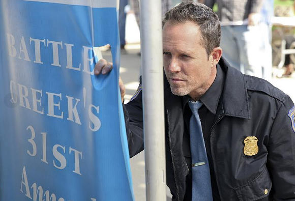 Dean Winters in Battle Creek. - SCREENSHOT