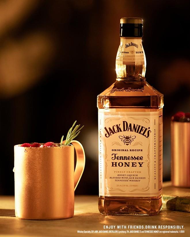 """Jack Honey Yule Mule"": How to serve ""Season's Greetings"" in a glass"