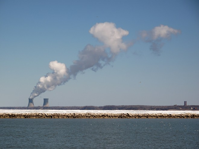 Perry Nuclear Power Station as seen from Headlands State Park, Mentor, Ohio. - WAINSTEAD, WIKIMEDIA CREATIVE COMMONS