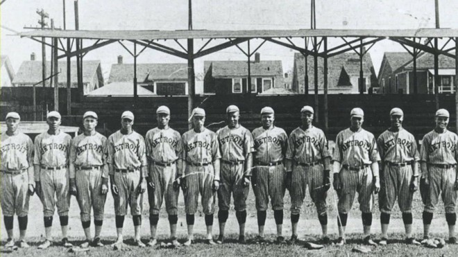 """Negro Leagues legend and National Baseball Hall of Famer Norman """"Turkey"""" Stearnes (fifth from left) and the 1923 Negro National League Detroit Stars. - PUBLIC DOMAIN"""