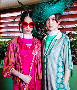 Chloe Chaiyoon Oh and Lara Seibee Park. - GERARDO SOMOZA