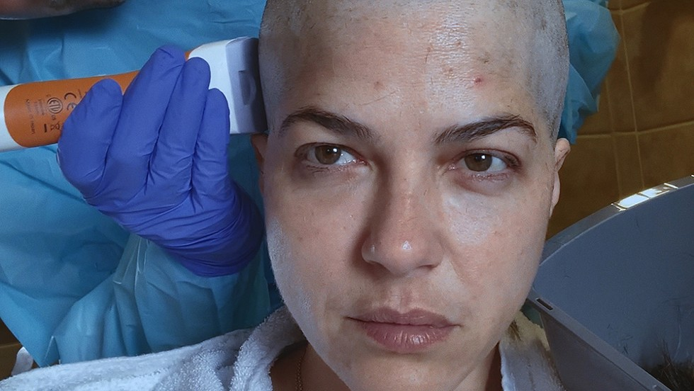 Selma Blair and director Rachel Fleit bonded over losing their hair. - DISCOVERY+