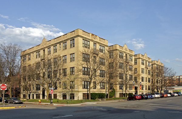 The 91-unit Sheridan Court Apartments on Second Ave. and W. Canfield St. - APARTMENTS.COM