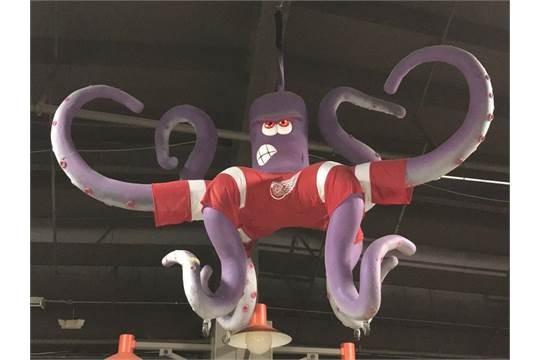 Al the Octopus - PHOTOS VIA BIDONTHEJOE.COM