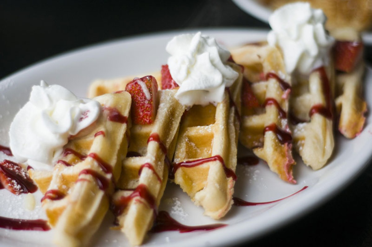 Strawberry crème waffles.