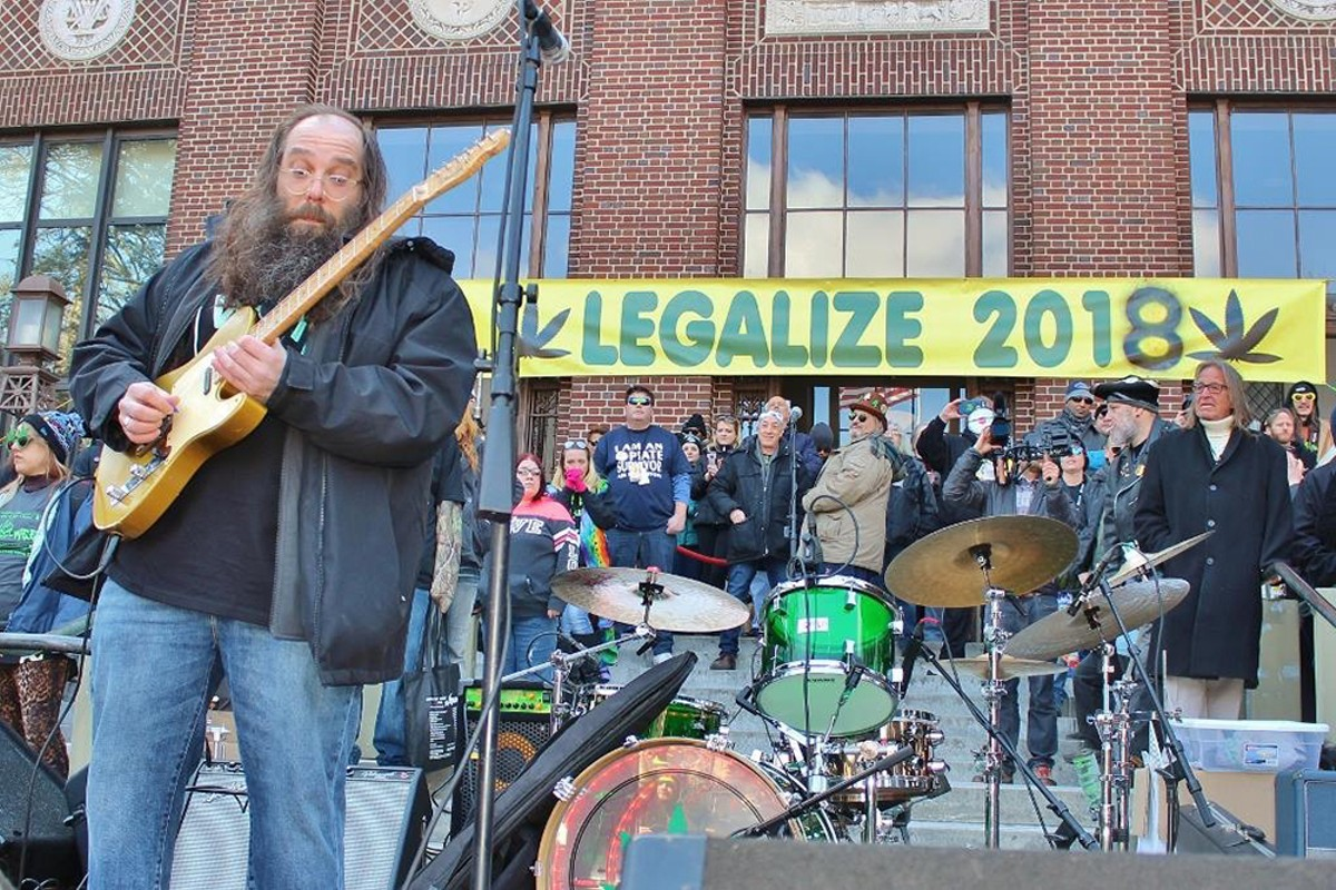 Laith Al-Saadi performing at the 2018 Hash Bash.