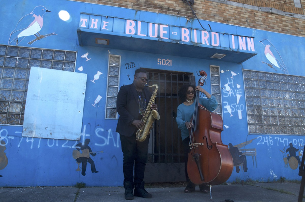 De'Sean Jones and Marion Hayden performing outside of the historic Blue Bird Inn on April 24.
