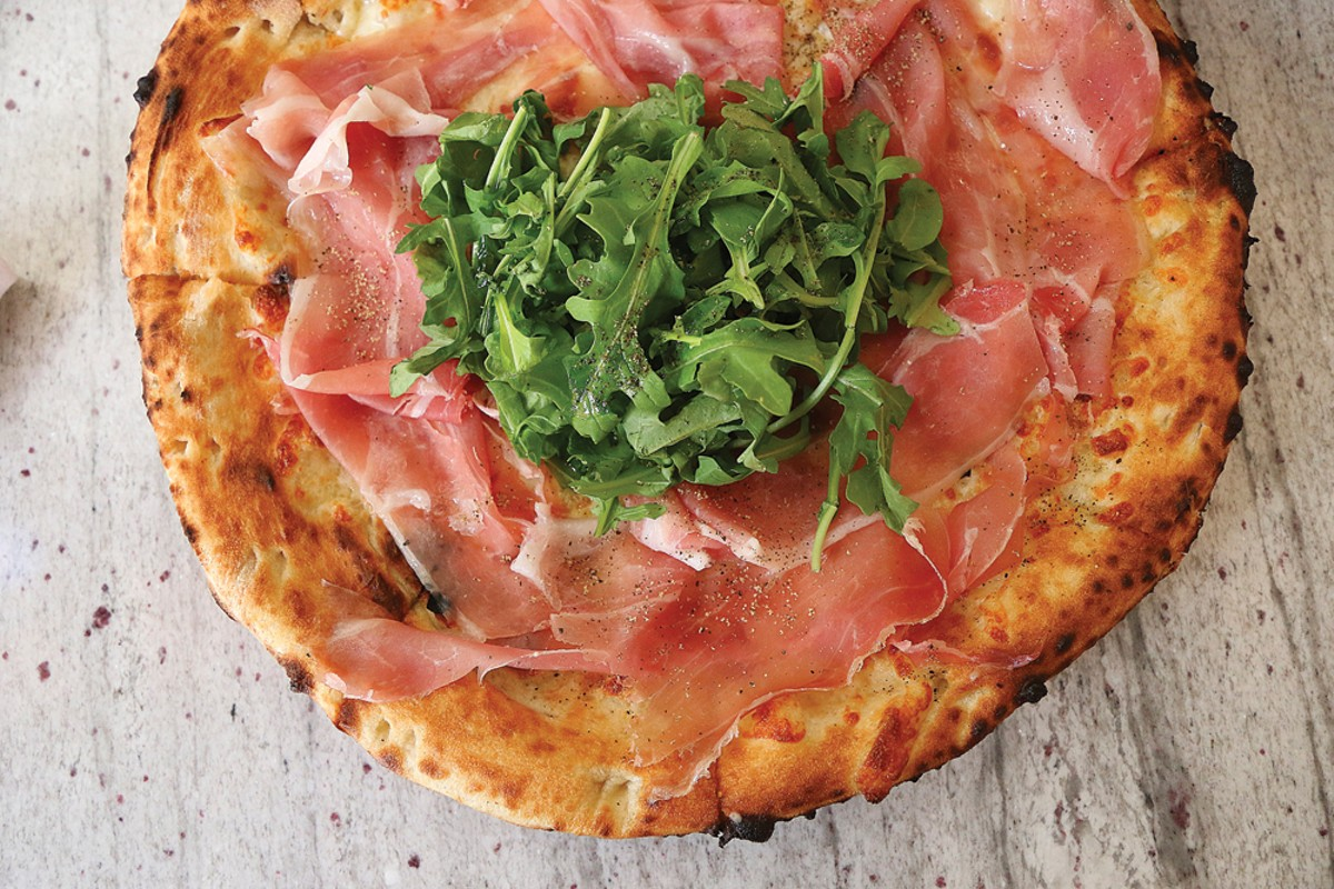 Bianca Pizza - EVOO, burrata, prosciutto San Daniele, arugula