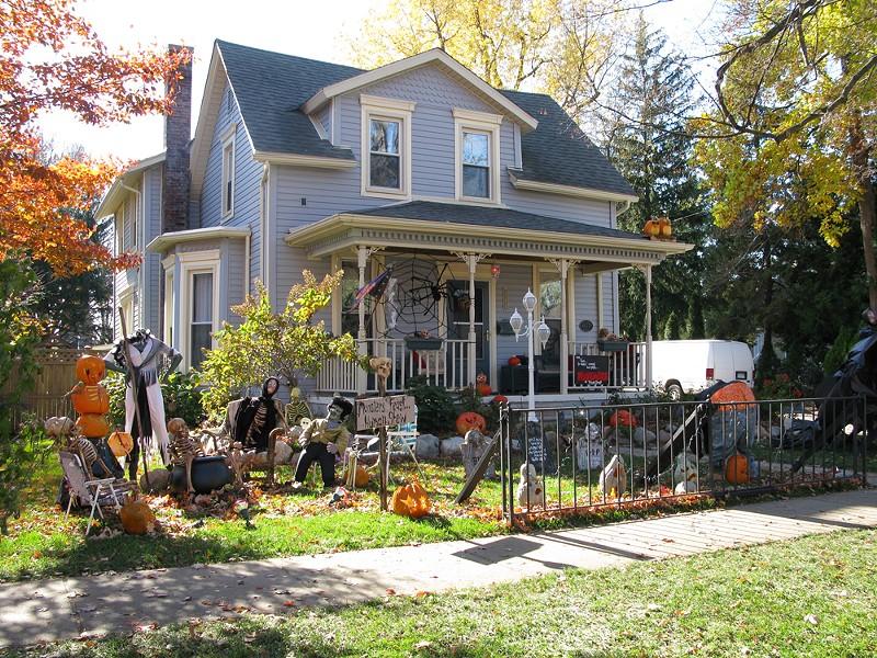 halloween-tillson_street.jpg