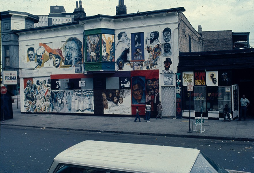 Wall of Respect, 43rd street and Langley Avenue, Chicago, 1967, 13 artists with the Visual Art Workshop of the Organization of Black American Culture. - ROBERT A. SENGSTACKE