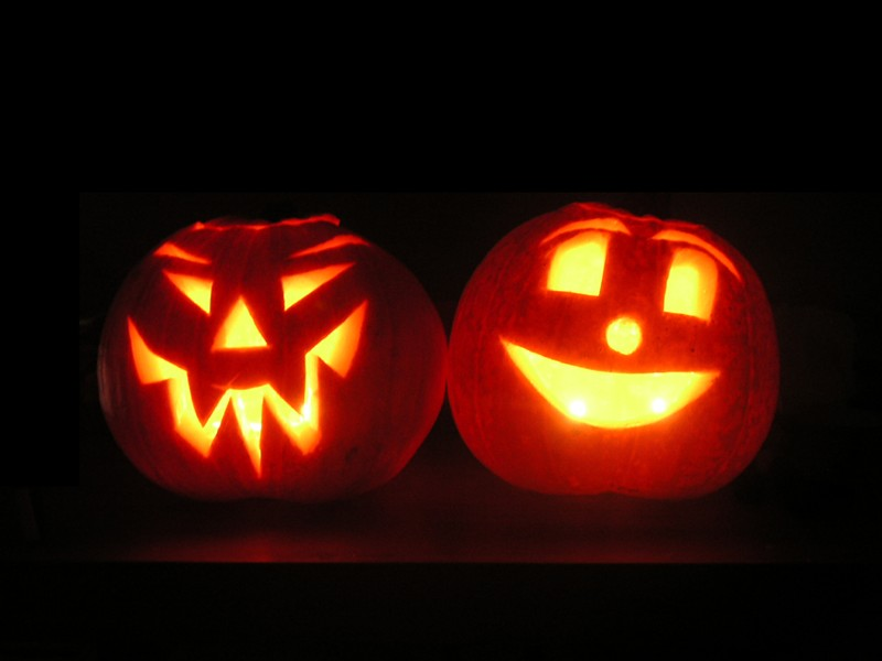 JACK-O-LANTERNS. IMAGE FROM WIKIPEDIA.